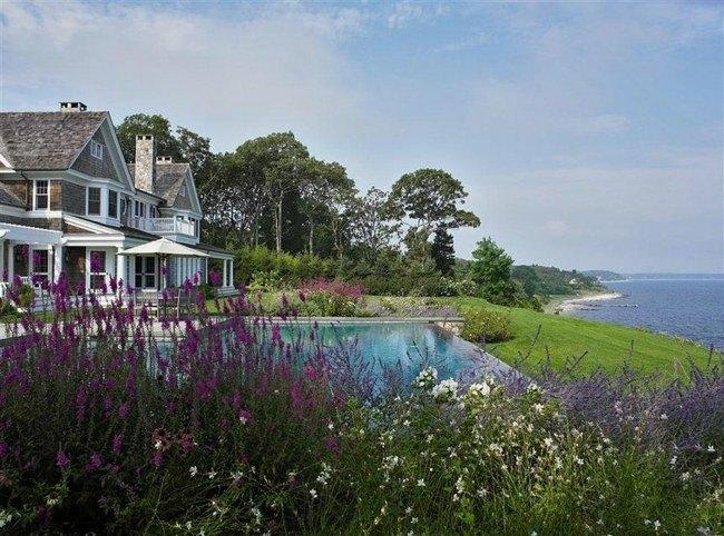 bonita piscina vistas flores mar