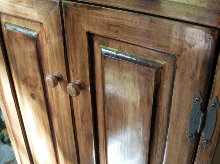 cabinete cocina madera restaurado barniz