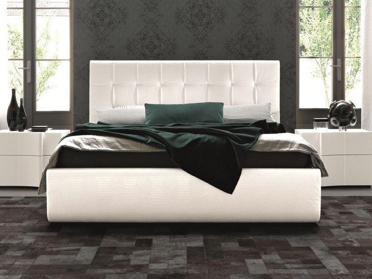 cama blanca mesitas jarrones negros decorativos ideas