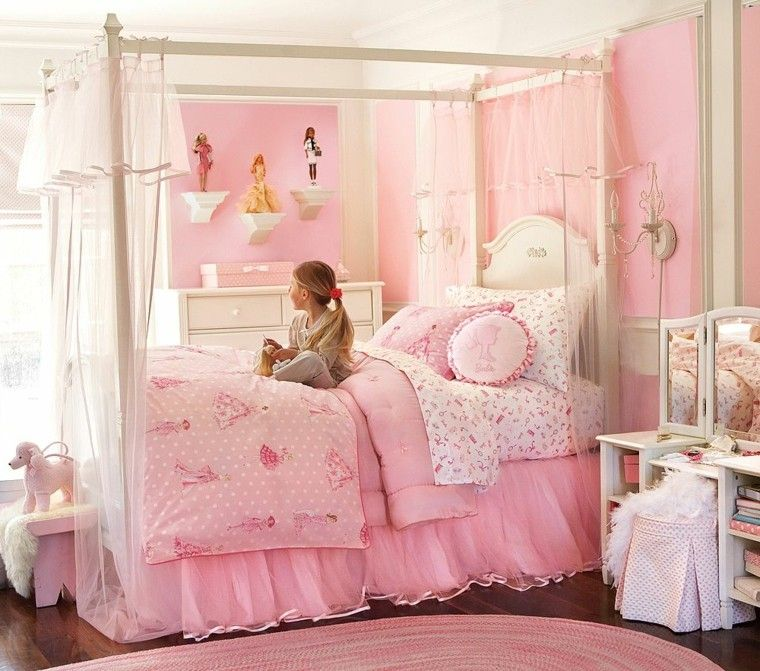 cama grande exposicion barbie pared chica ideas