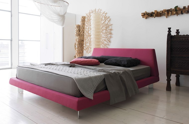 cama rosa diseno dosel colgando pared ideas