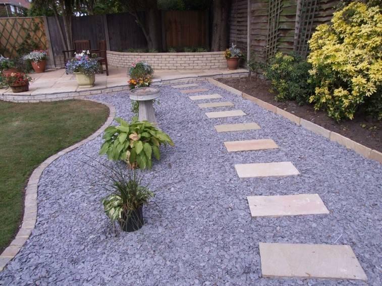 camino piedras grises diseño moderno