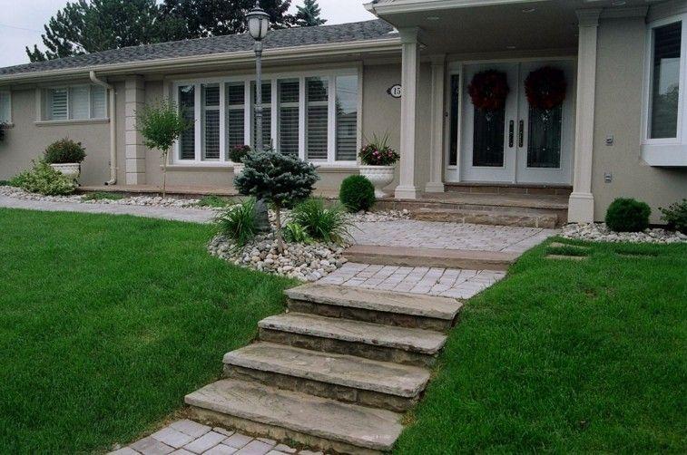 camino piedras escaleras acceso casa