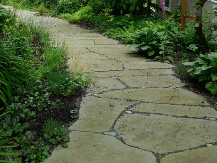 caminos piedras formas desiguales grandes