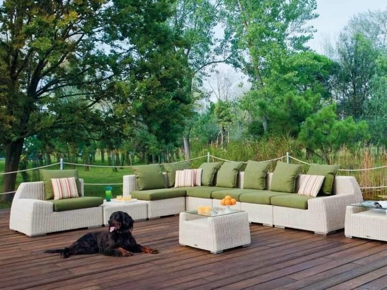canapes espacio aire libre cojines verdes ideas