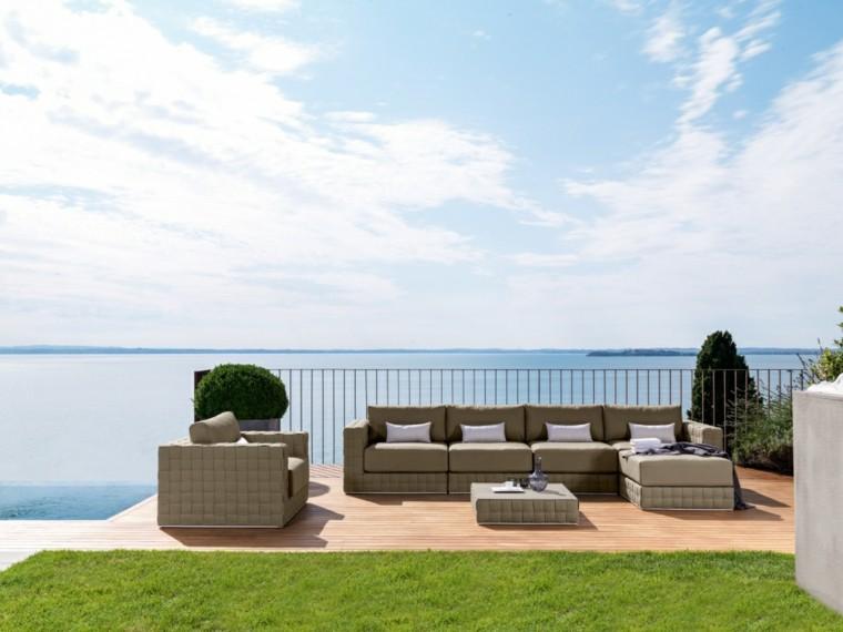 canapés sofas grandes jardin cesped suelo madera ideas