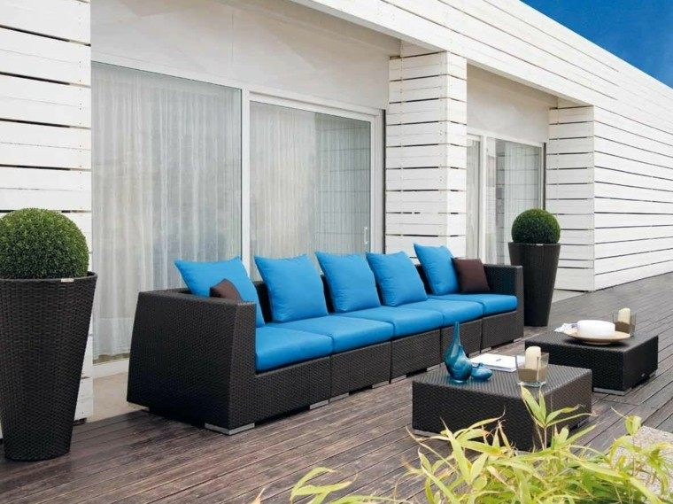 Canap s sof s y sillones 50 ideas para exteriores modernos - Cojines marrones ...
