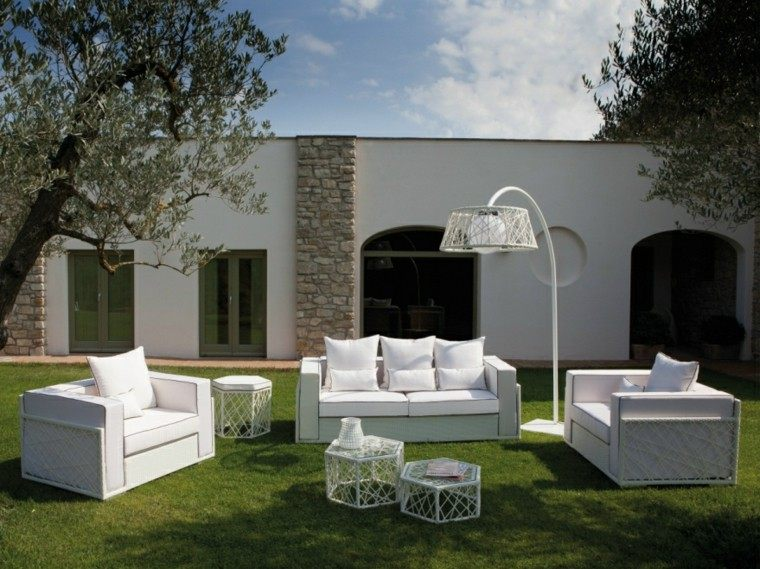 canapes sillones blancos lampara original ideas