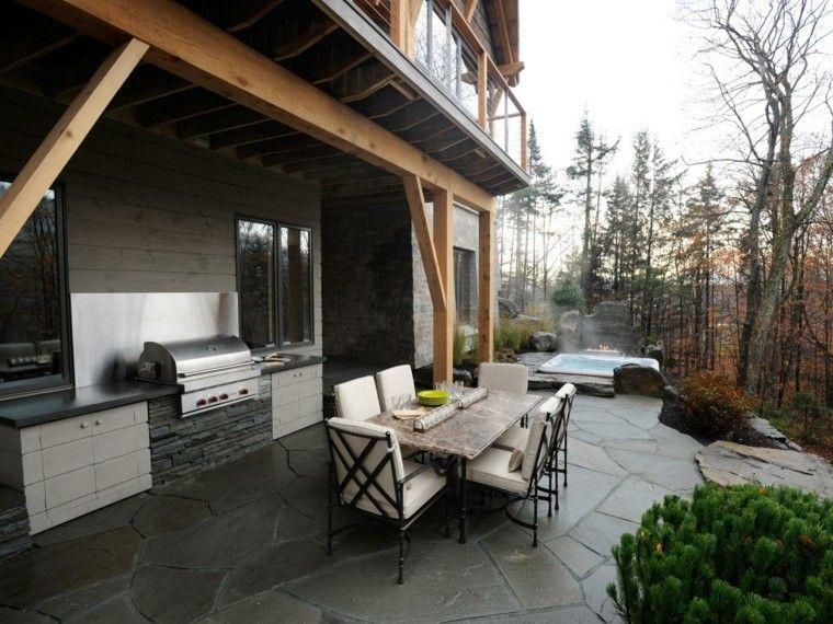 casa bosque cocina exterior jacuzzi sillas acero ideas