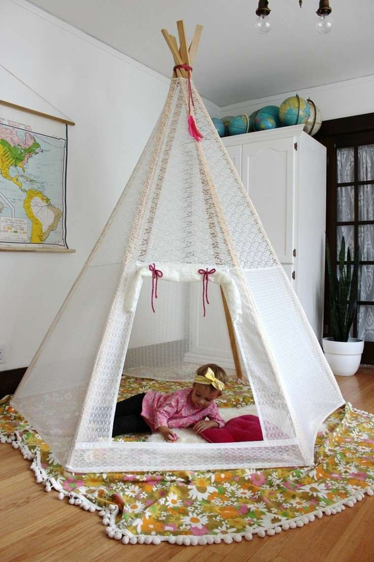 casa india niña juegos lectura espacio