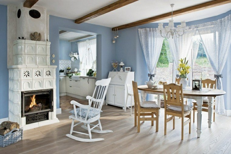 casas de campo azul chimenea cortinas