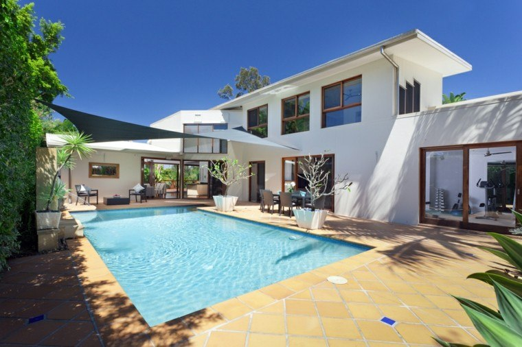 casas jardines amplios piscinas pergola sombra piscina ideas