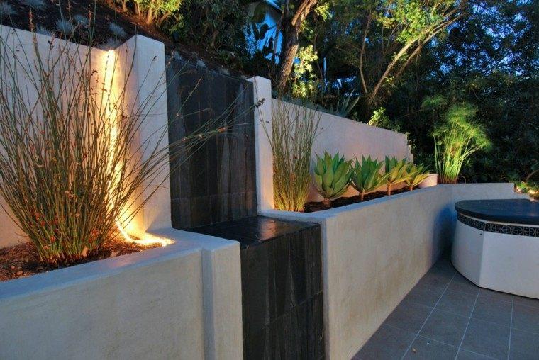 fuente cascada jardin estilo moderno