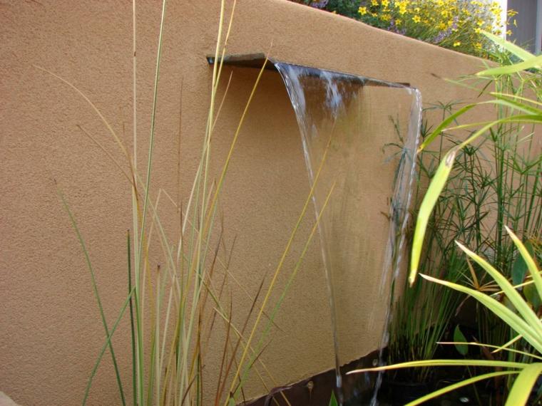 cascada estilo minimalista muro jardin