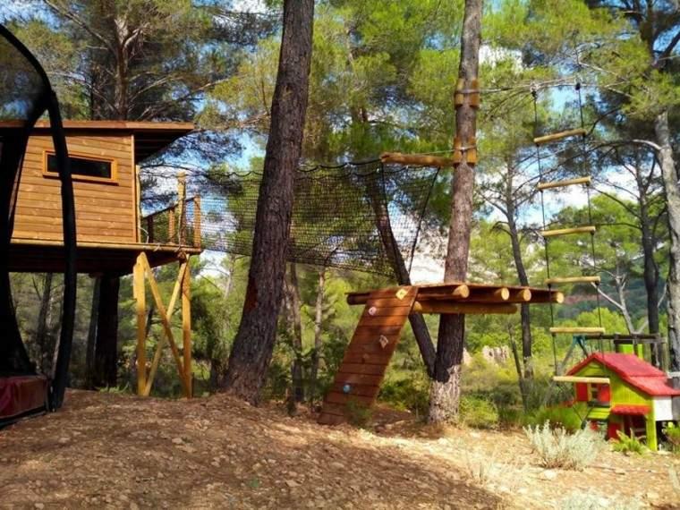 casita arbol madera bosque cabaña