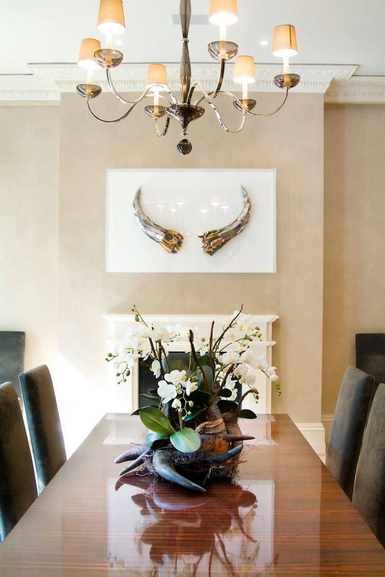 centro mesa cuernos animal flores