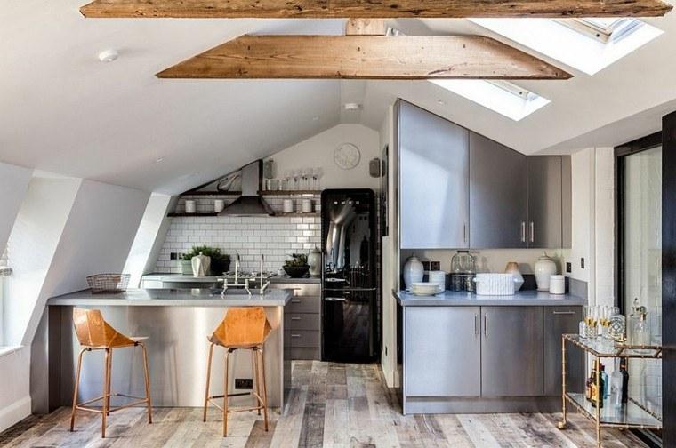 cocina atico baldosas blancas muebles metal ideas