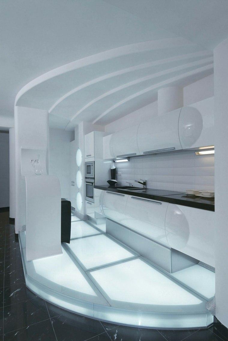 cocina blanca plataforma nivelada corian