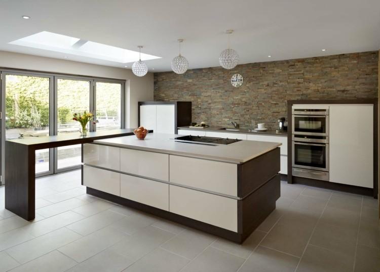 Cocina diseño y lo moderno que no puede faltar en casa.