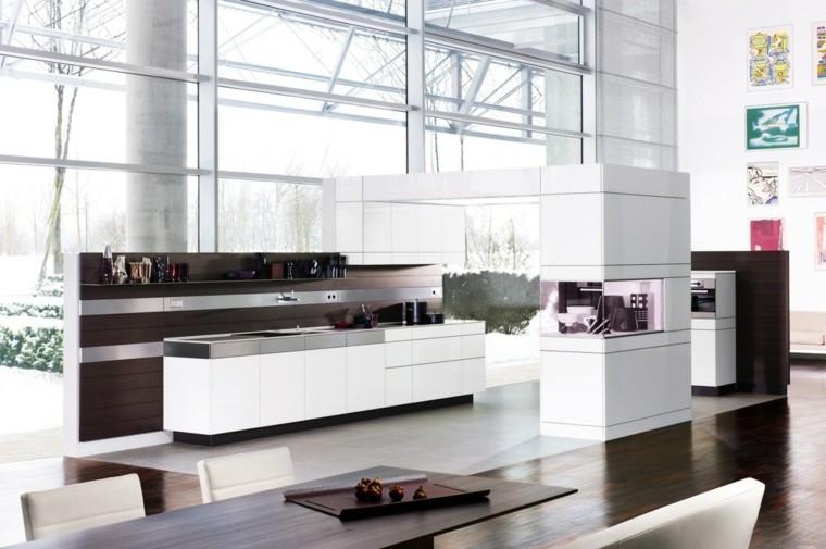 cocina diseño futurista muy iluminada