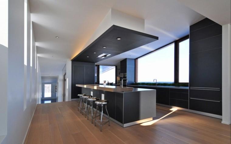 cocina estilo moderno suelo laminado