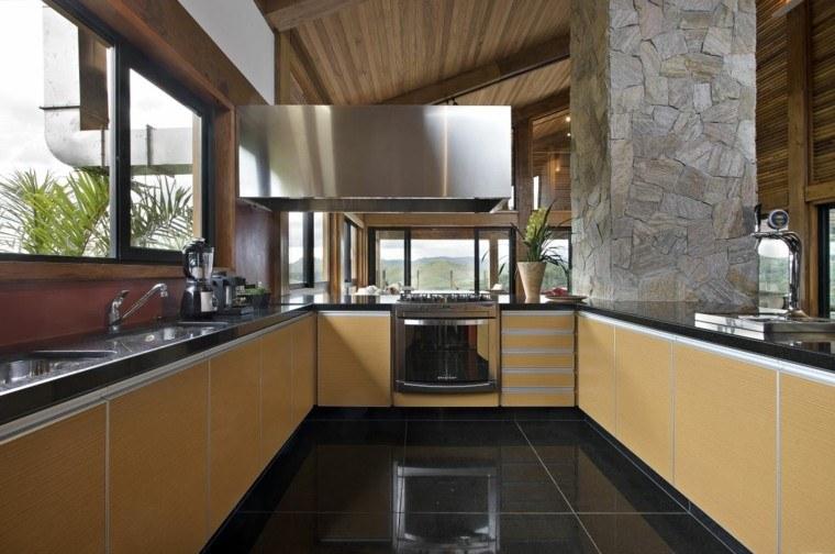 diseño cocina rustica columna piedra