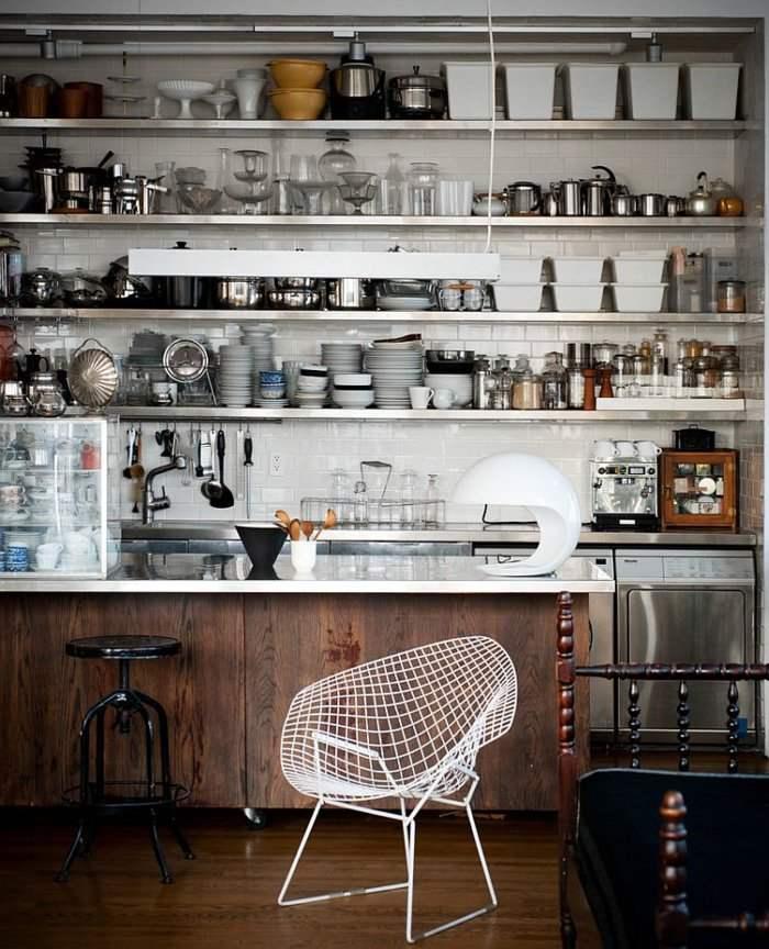 cocina moderna abarrotada utensilios cacharros