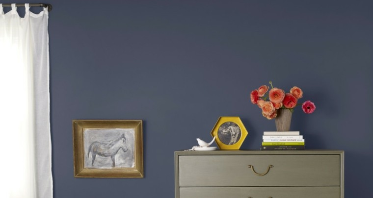 Pinturas para sal n ideas de combinaciones modernas for Pintura pared gris azulado