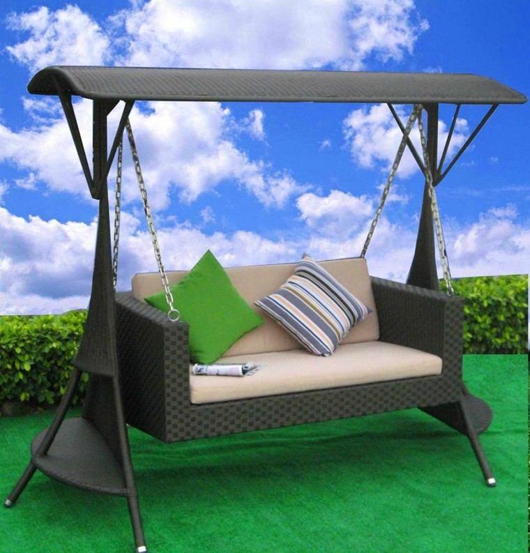 Mimbre y rattan para los muebles de jard n 100 ideas for Garden jhoola designs