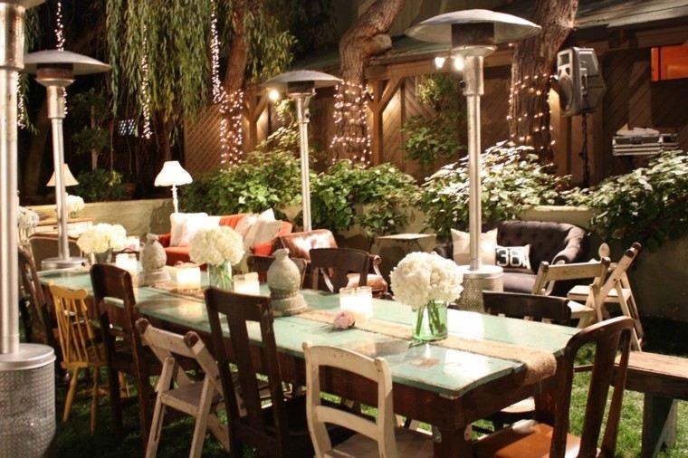 combinacion muebles jardin flores decorando mesa ideas
