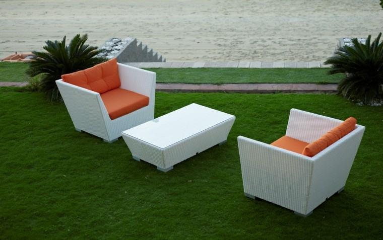 conjunto muebles blanco cojines naranja