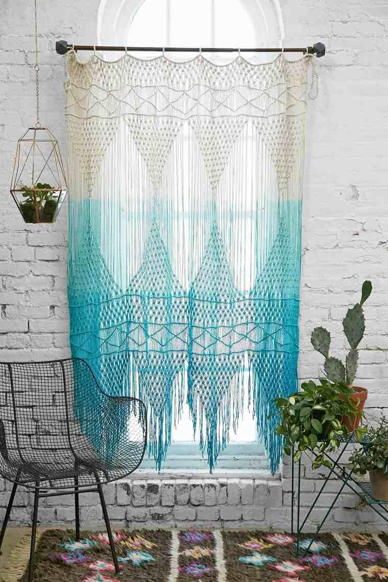 cortina azul tejido plantas bordado
