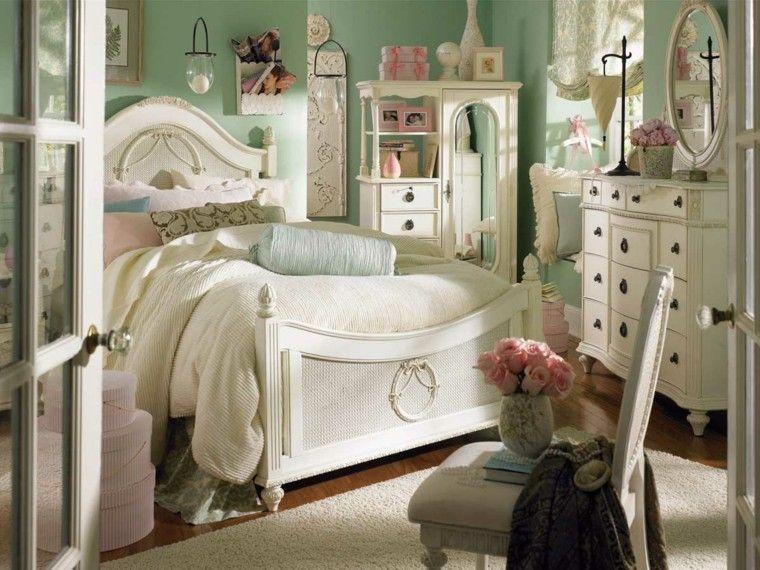 decoracion vintage muebles blancos cama pared