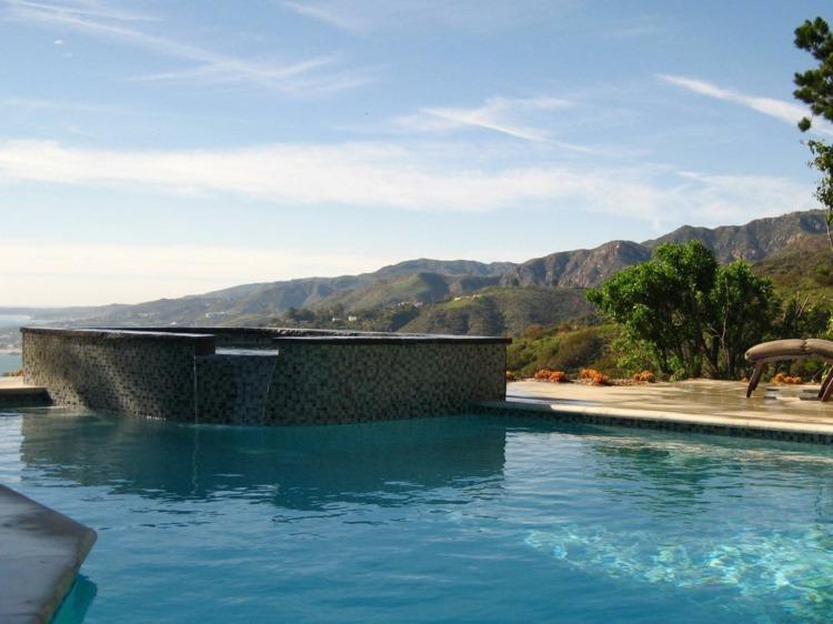 días calurosos dos piscinas jardin ideas