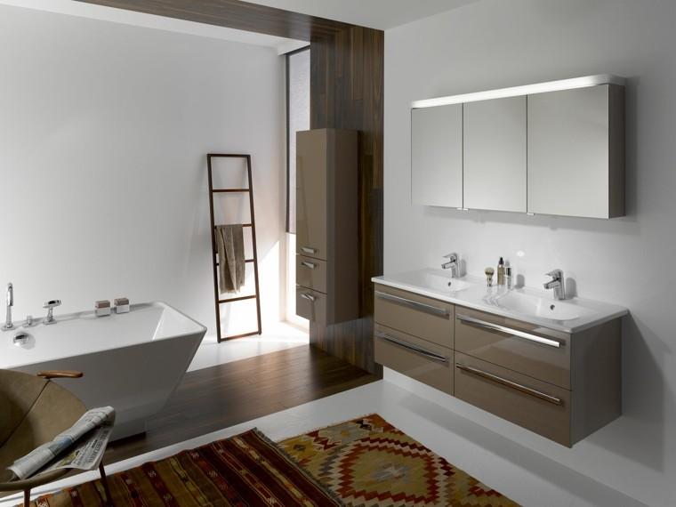 diseño cuarto baño moderno alfombra