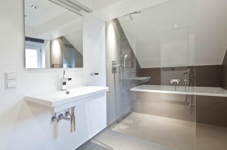 diseño cuarto baño moderno pequeño