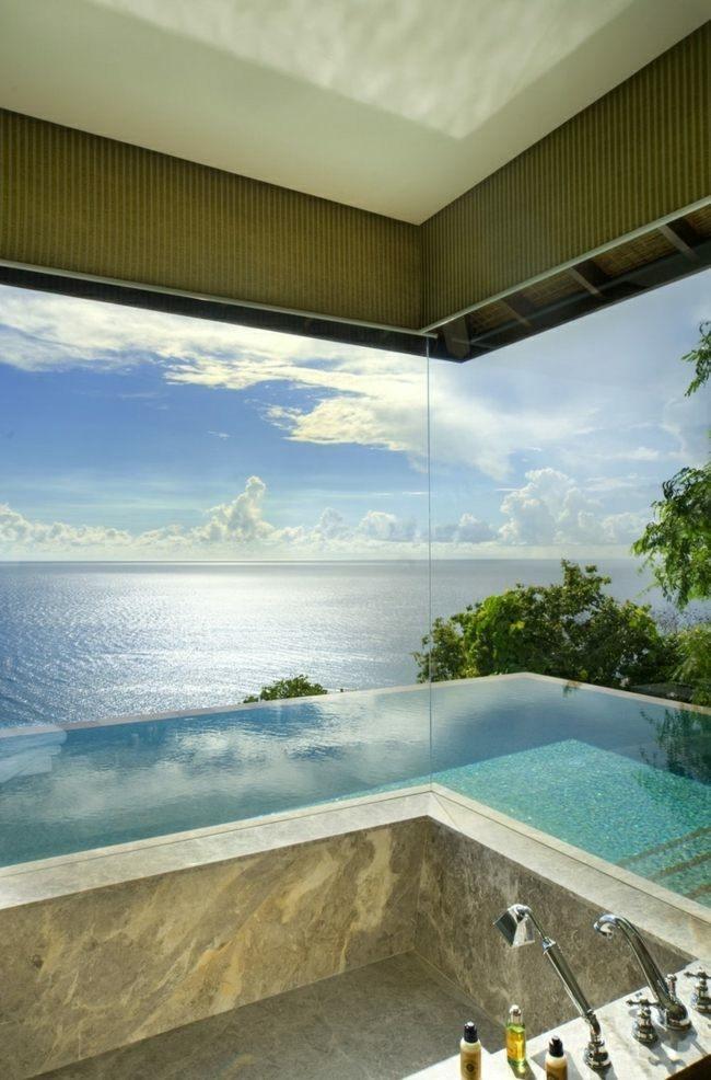 diseño baño vistas mar piscina