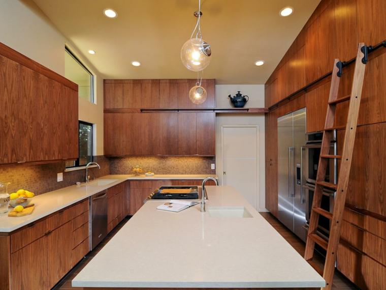 diseño cocina moderna madera escaleras