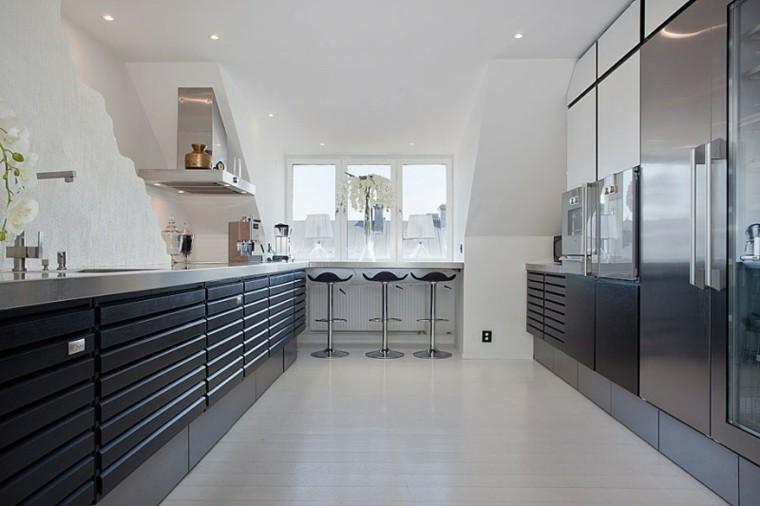 diseño cocina negra moderna acero
