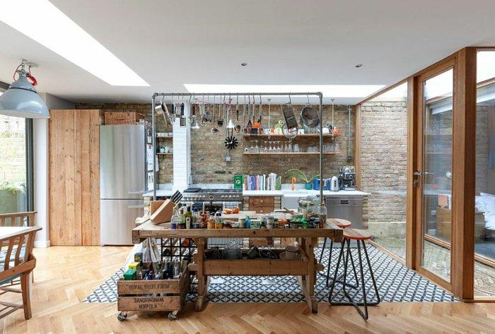 diseño cocina utensilios colgando madera electrodomesticos