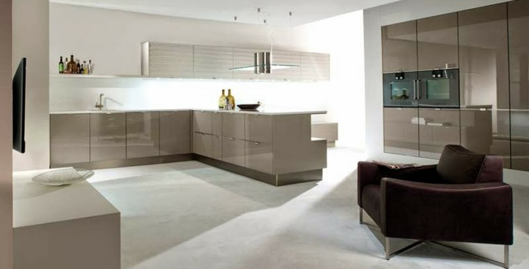 diseño de cocinas abierta sofa moderna