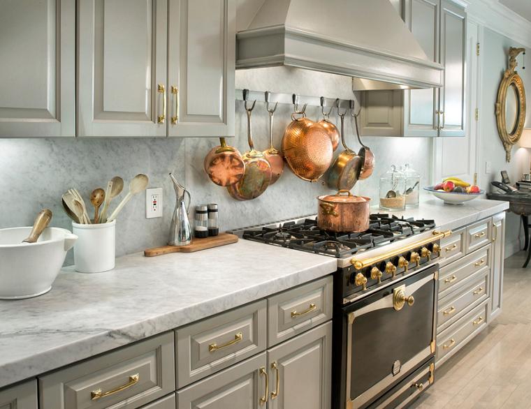 diseño de cocinas dorado materiales elementos