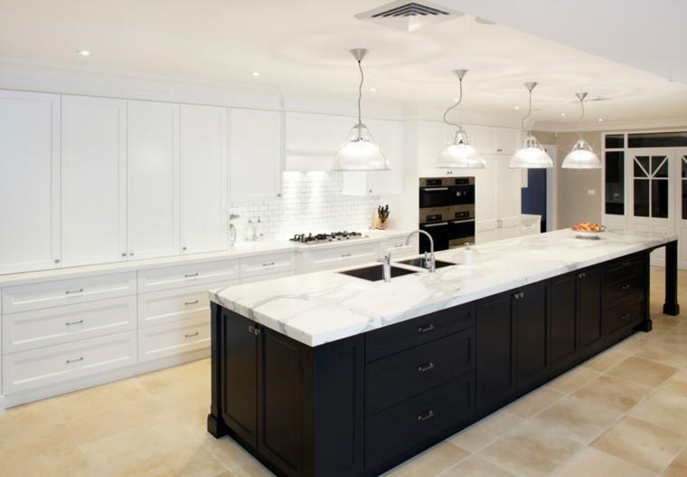 diseño de cocinas luminosa clara elegante