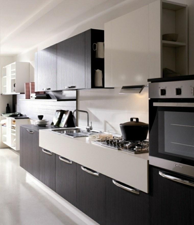 diseño de cocinas mueble oscuro estantes