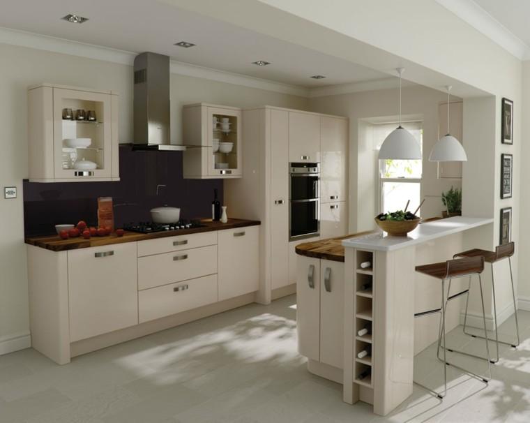 diseño de cocinas taburetes altos madera