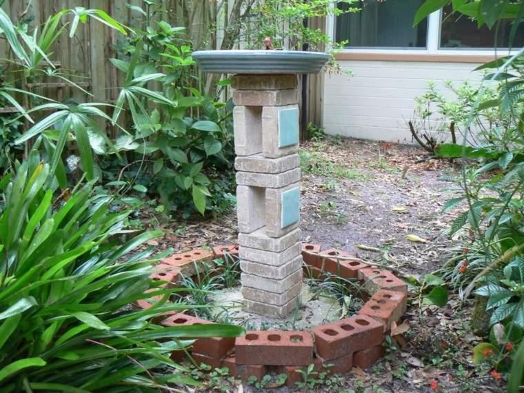 diseño fuente agua casera ladrillos