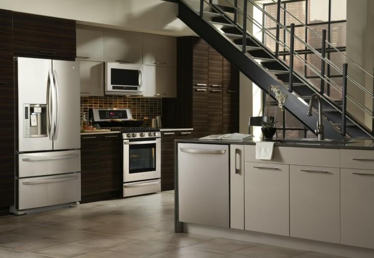 Dise o de cocinas modernas 100 ejemplos geniales for Cocinas pequenas con escaleras