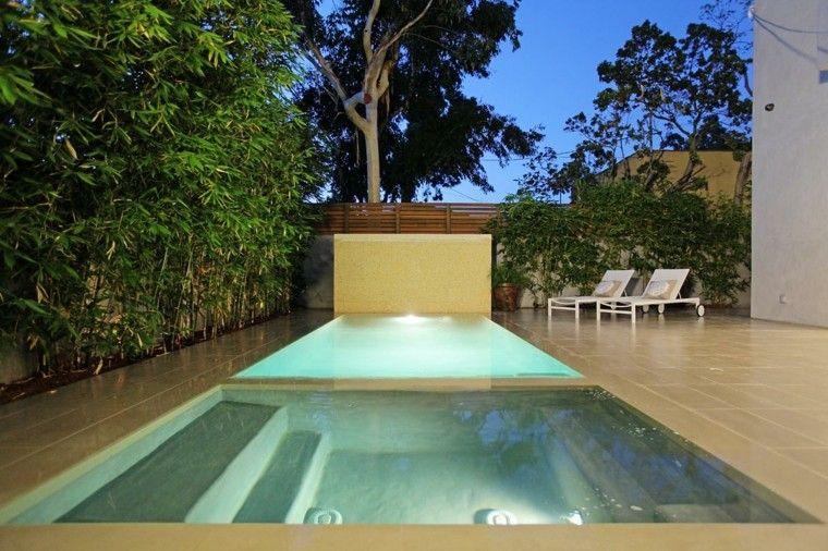 diseño jardin piscina azulejos beige