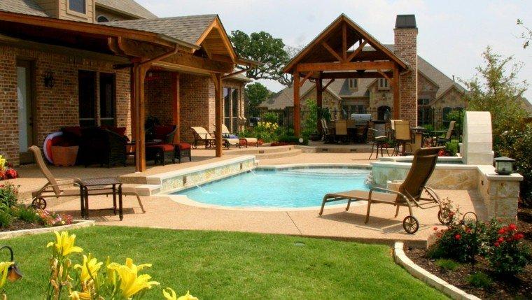diseño jardin pergola madera chimenea