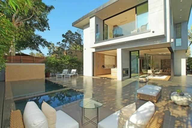 diseño estilo moderno dos piscinas